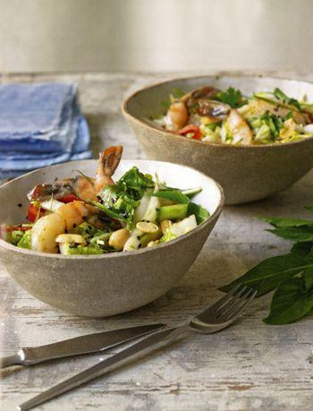 Салат с креветками и пекинской капустой: 8 рецептов
