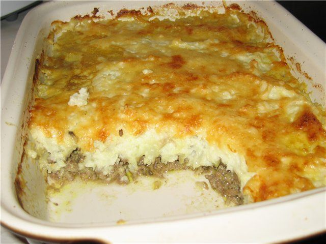 блюдо из картофеля и фарша в духовке